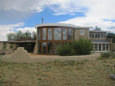Elegant Taos Family Home
